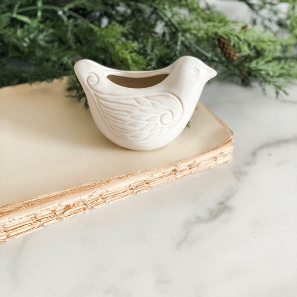 Decorative ceramic bird with pocket, 5""