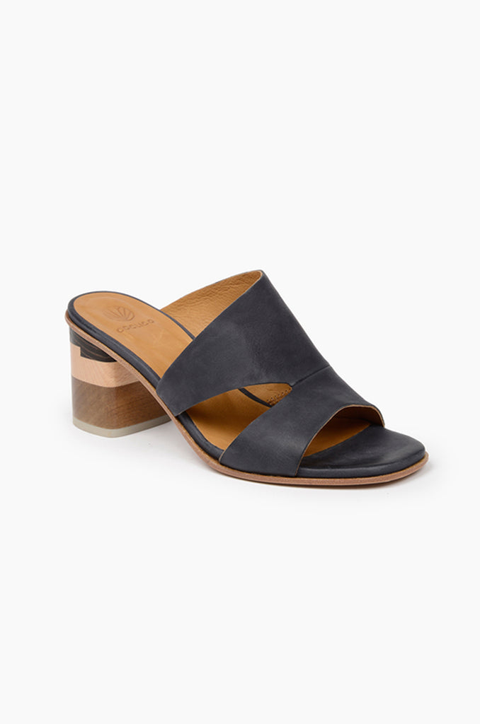 Barrel Sandal - Coal Leather