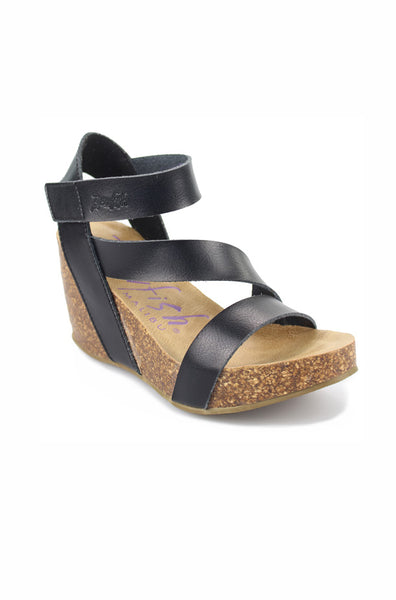 Hapuku Wedge - Black Faux Leather