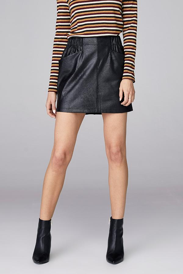 Front Pocket Skirt - Black