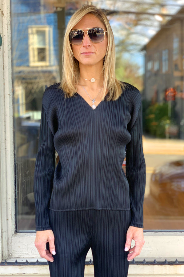 Long Sleeve Pleat Shirt - Black