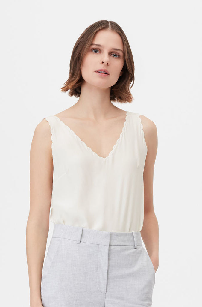 Tailored Silk Charmeuse Scallop Tank - Snow