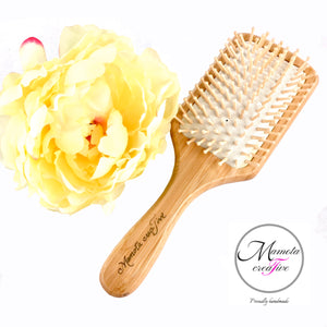 Detangling spa hairbrush with resin art - Mamota Creative