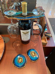 WINE BUTLER WITH GEODE RESIN ART