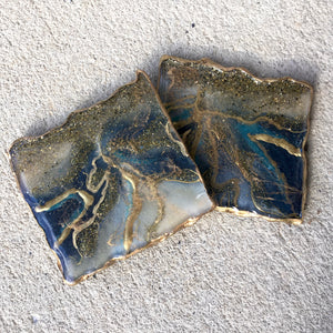 BLUE SPARKLE RESIN GEODE COASTERS FOR 2 - ASSORTED SHAPES