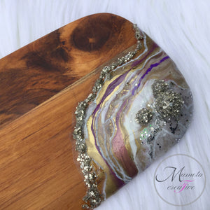 A close up of one end of the White and Purple Geode Resin Cheese Board or bread board - Mamota Creative