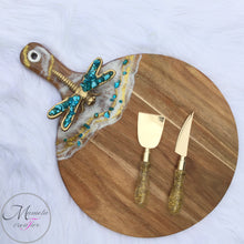 Load image into Gallery viewer, Resin Art on Round Cheese Board - Dragon Fly - Mamota Creative