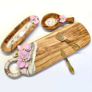 ORCHID RESIN CHEESE BOARD ON OLIVE WOOD WITH MATCHING BOWL AND SPOON REST SET