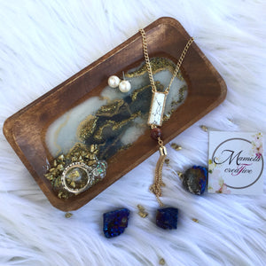 BLUE, WHITE AND GOLD RESIN GEODE JEWELRY DISH TRINKET TEAY WITH STONES