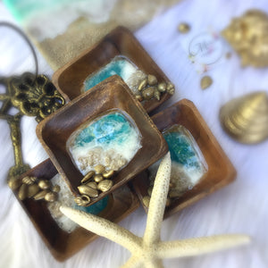 Wooden ring dish with resin beach art and gold shells - Mamota Creative