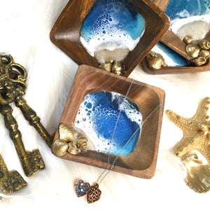 WOODEN RING DISH WITH RESIN BEACH ART AND GOLD SHELLS