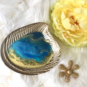 OCEAN THEME SHELL RING DISHES WITH GOLD WAVES