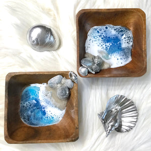 Wooden ring dish with resin beach art and silver shells - Mamota Creative