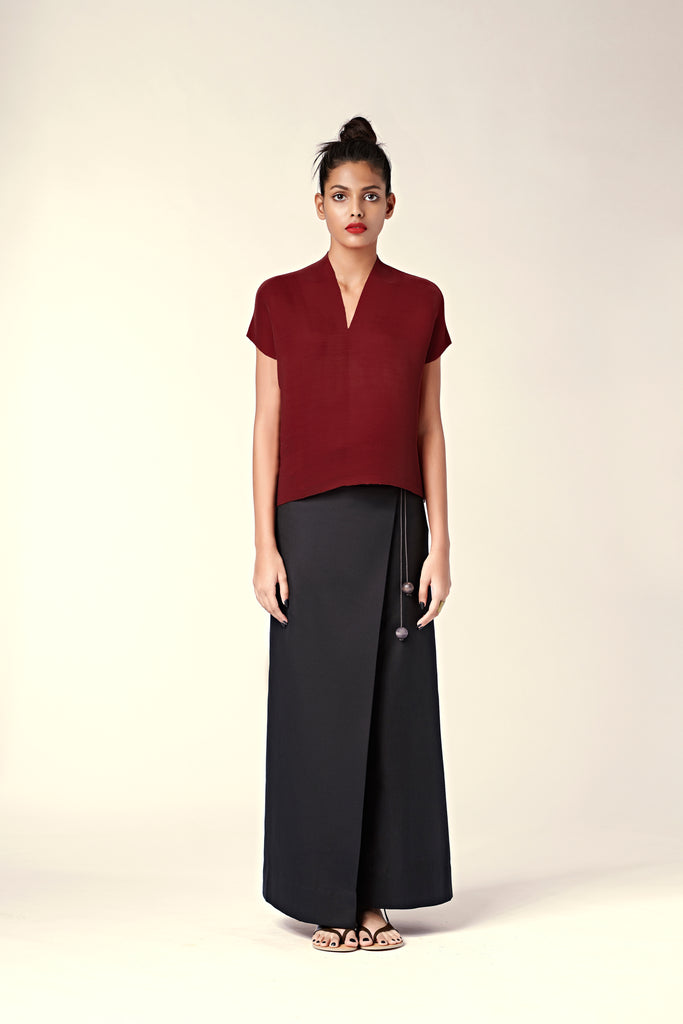 Pleated Slim V-Neck Top