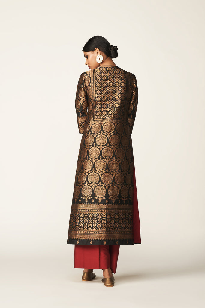 Handwoven Silk Engineered Brocade Kurta Set