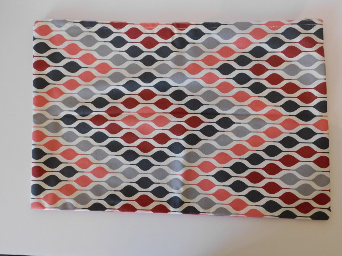 RECTANGULAR CUSHION COVER ZIG-ZAG PATTERN