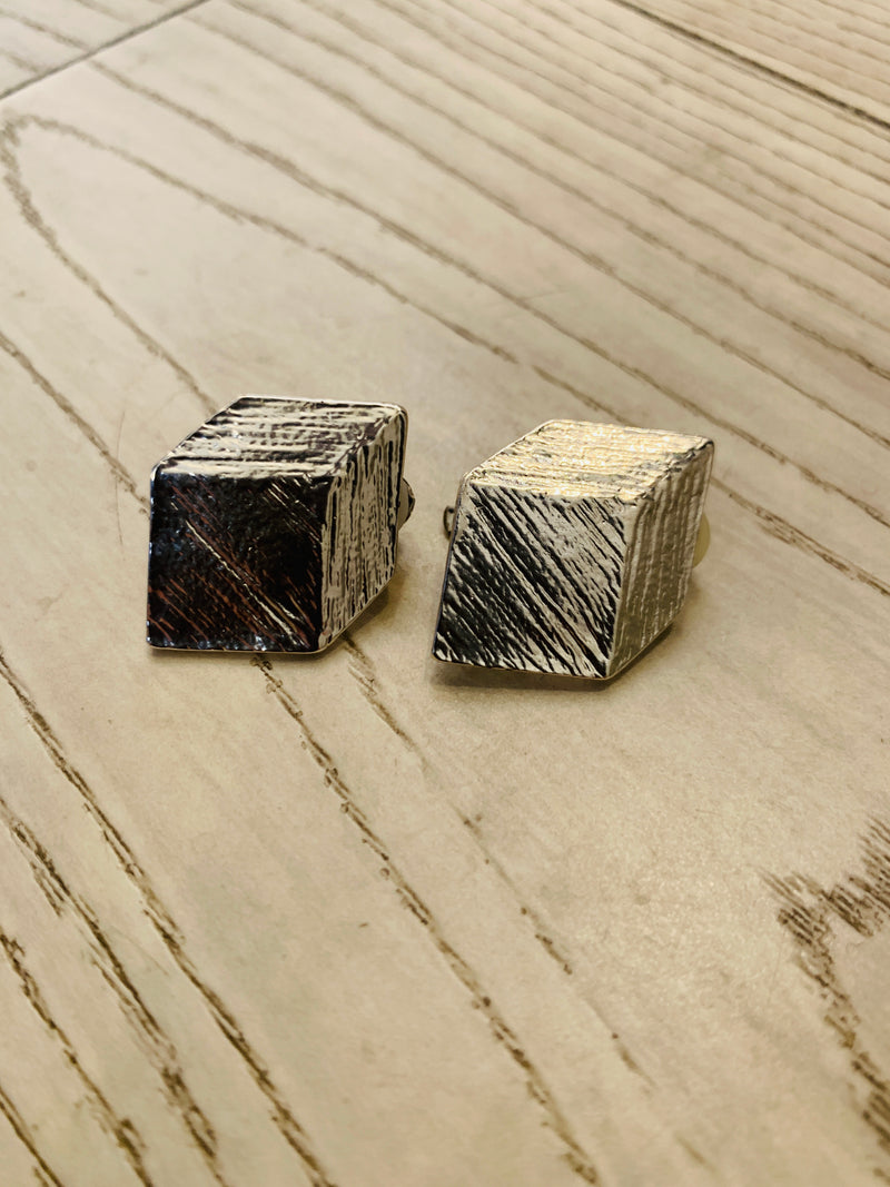 ONLY ONE CUBE (clip) Earrings