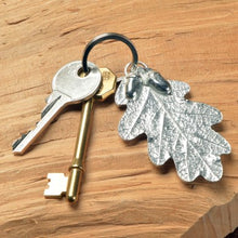 Load image into Gallery viewer, Pewter Oak Leaf and Acorn Keyring