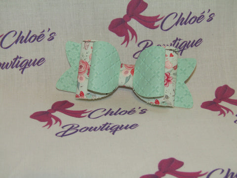 Mint Leatherette & Mint Lovebirds Clip