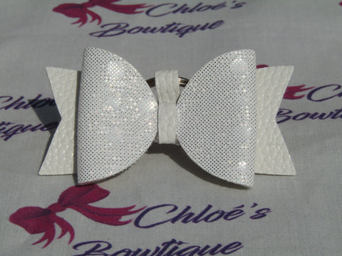 White & Silver Spot Bow Keyring