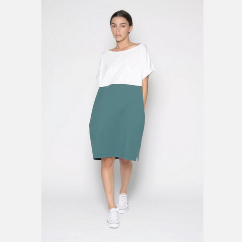 White & Green Jersey Dress With Pockets