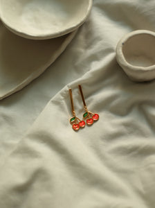 PACK: COLLAR + PENDIENTES BARRA CHERRY - BAÑO ORO 24K