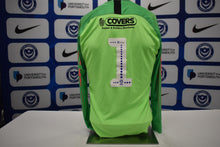 Load image into Gallery viewer, Green No.1 2019/20 Goalkeeper Shirt worn by Petar Durin for a friendly match