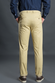The Fulham Peanut Stretch Washed Men Chinos