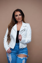 Load image into Gallery viewer, Winter In The City Jacket - White