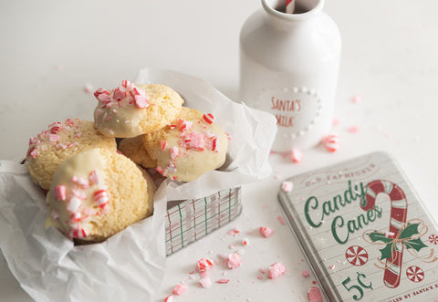 white chocolate chip dipped peppermint cookies