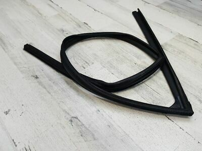 2010-2016 2014 HYUNDAI TUCSON FRONT RIGHT DOOR RUN UPPER WEATHER STRIP OEM 65277
