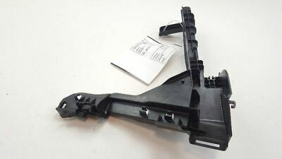 2014-2019 Jeep Cherokee Front Right Passenger Interior Door Handle Bracket 26169