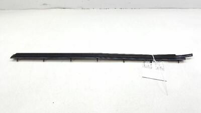 03-07 2006 CADILLAC CTS FRONT RIGHT DOOR OUTER WINDOW  WEATHERSTRIP SEAL 37745