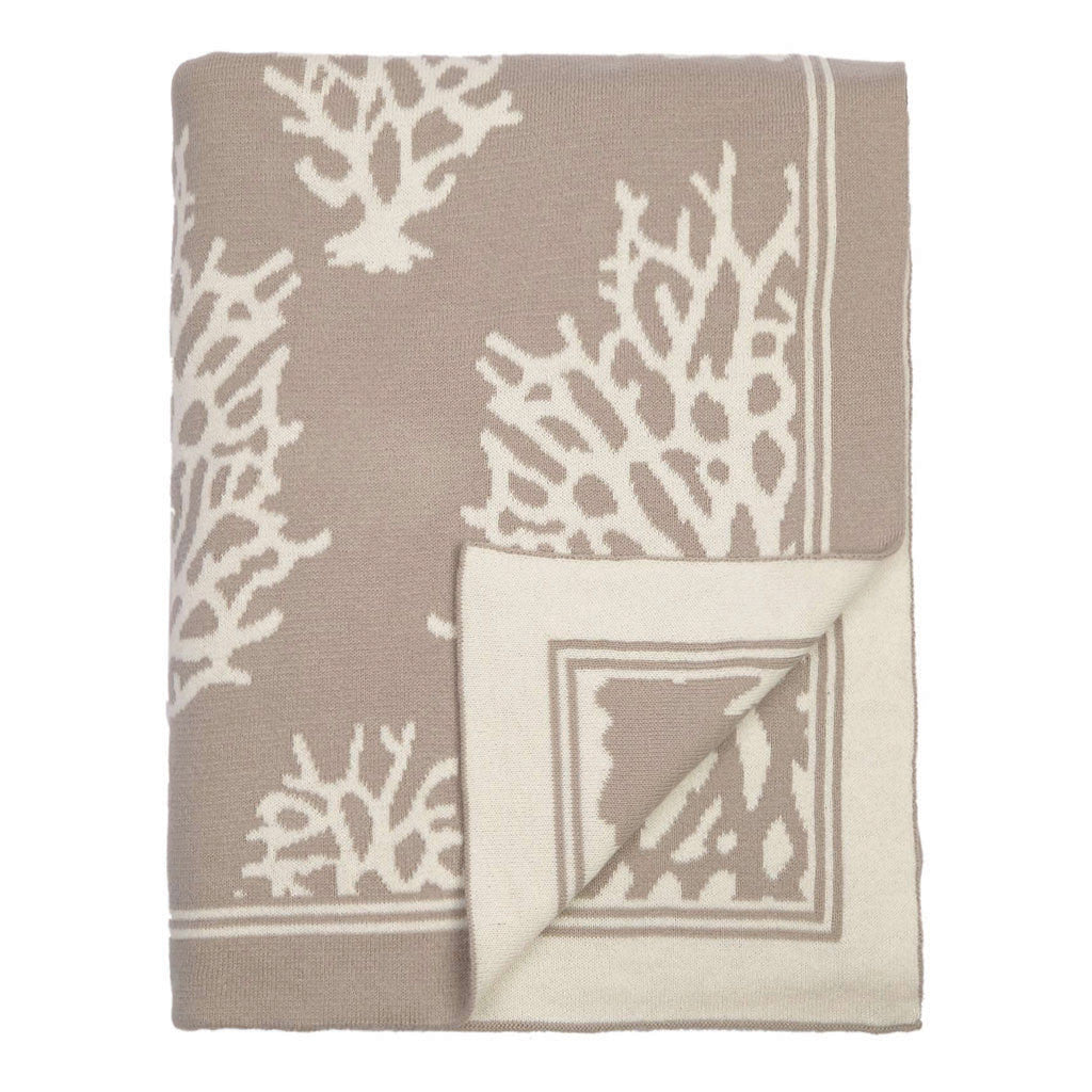 Bedroom inspiration and bedding decor | The Beige Reef Reversible Patterned Throw | Crane and Canopy