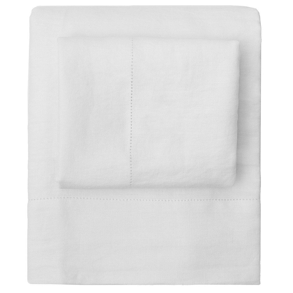 Bedroom inspiration and bedding decor | White Belgian Flax Linen Sheet Set (Fitted, Flat, & Pillow Cases)s | Crane and Canopy