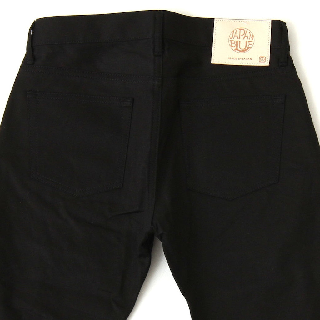 Japan Blue JB0450 Black (Slim Tapered)