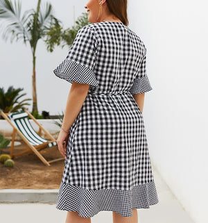 New Plaid Five-point Sleeve Ruffled Dress