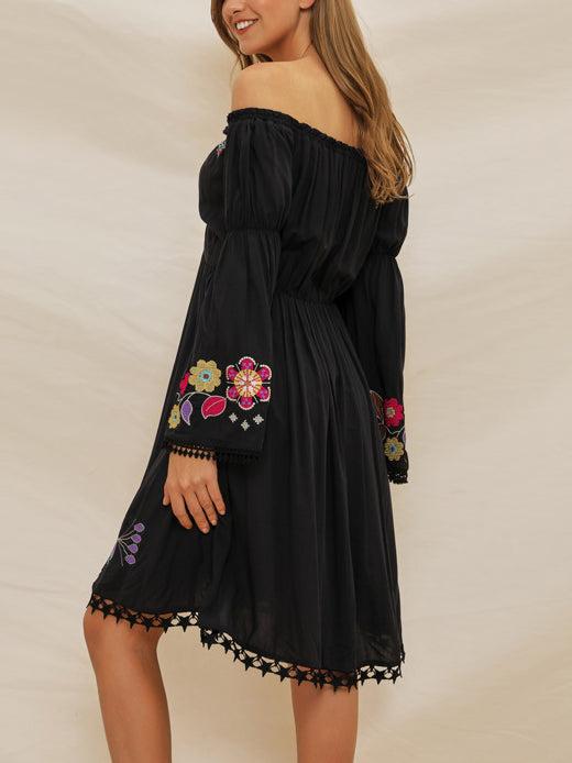 Embroidered One-shoulder Long-sleeved Bohemian Dress