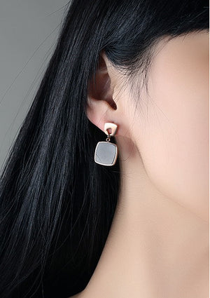 Black And White Classic Geometric Triangle Round Mother-of-pearl Asymmetric Earrings