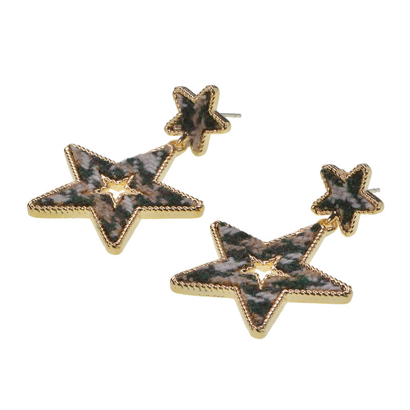 Silver Needle Earrings Personality Retro Hollow Five-pointed Star Earrings Trend Street Shooting Earrings with Accessories