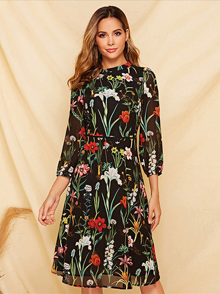 Women's Long-sleeved Dress Autumn and Winter Floral Round Neck Tie Slim A-line Skirt