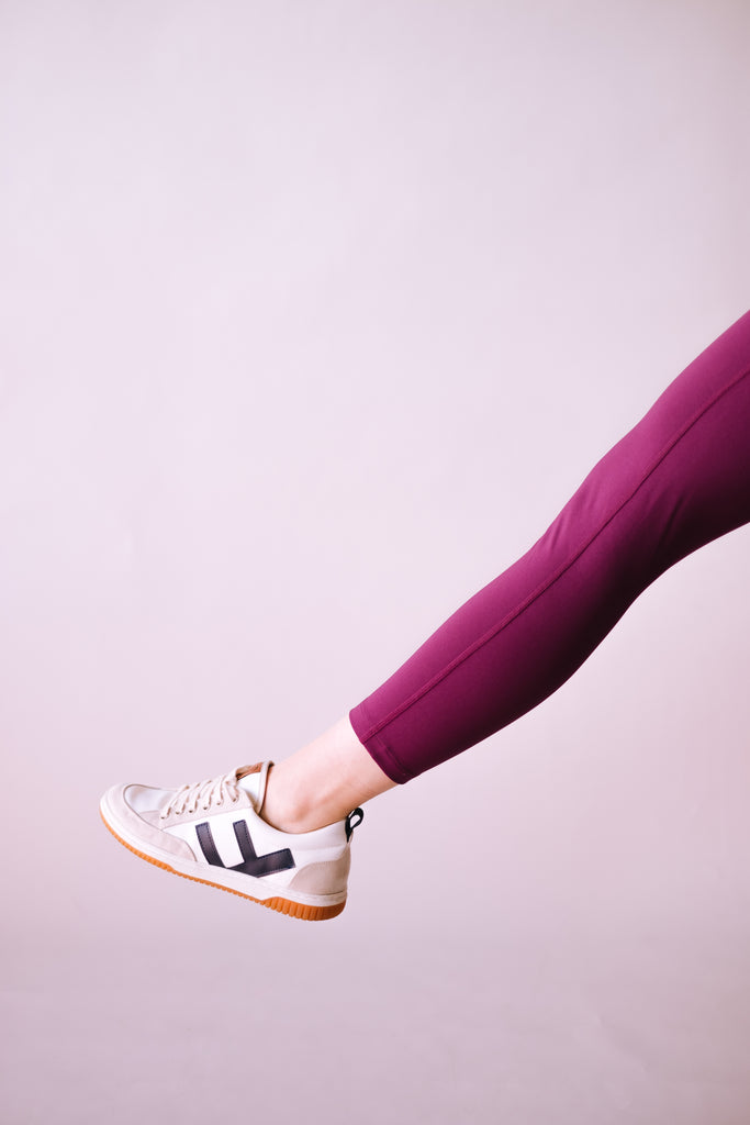 HIGH RISE RECYCLED COMPRESSION CROPPED 7/8 LEGGINGS PLUM