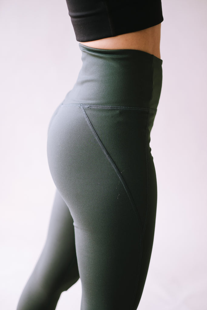 HIGH RISE RECYCLED COMPRESSION CROPPED 7/8 LEGGINGS MOSS