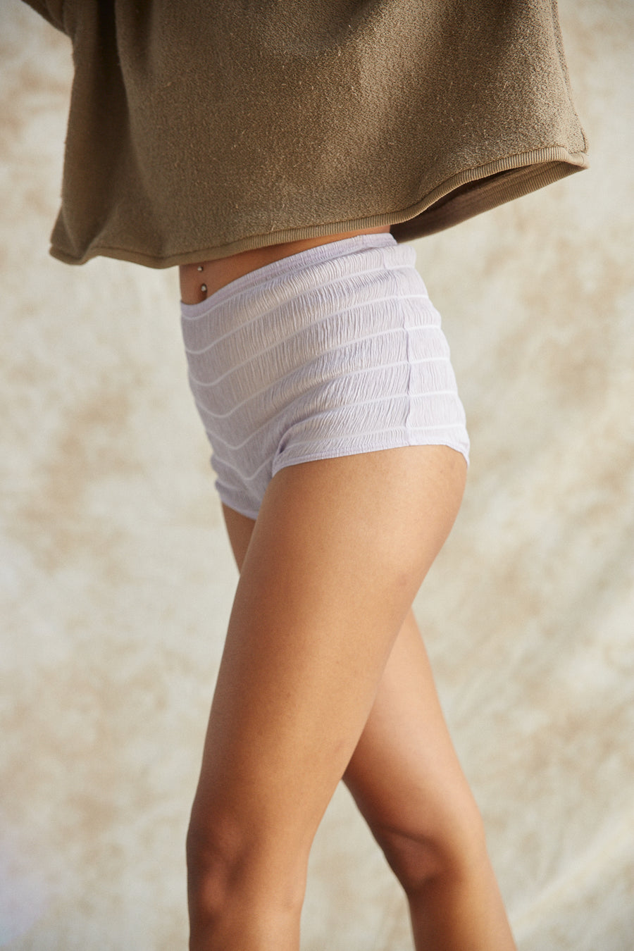 mia body short
