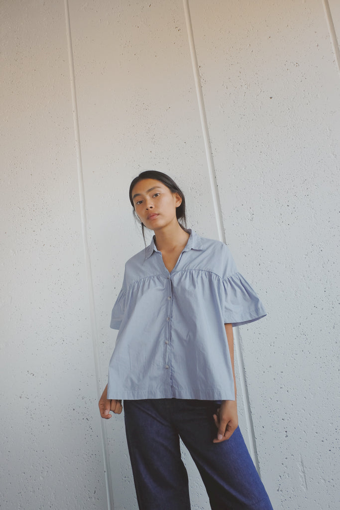 millie top in periwinkle cotton