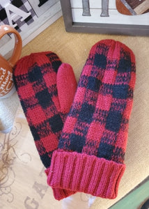 Plaid Panache Mittens