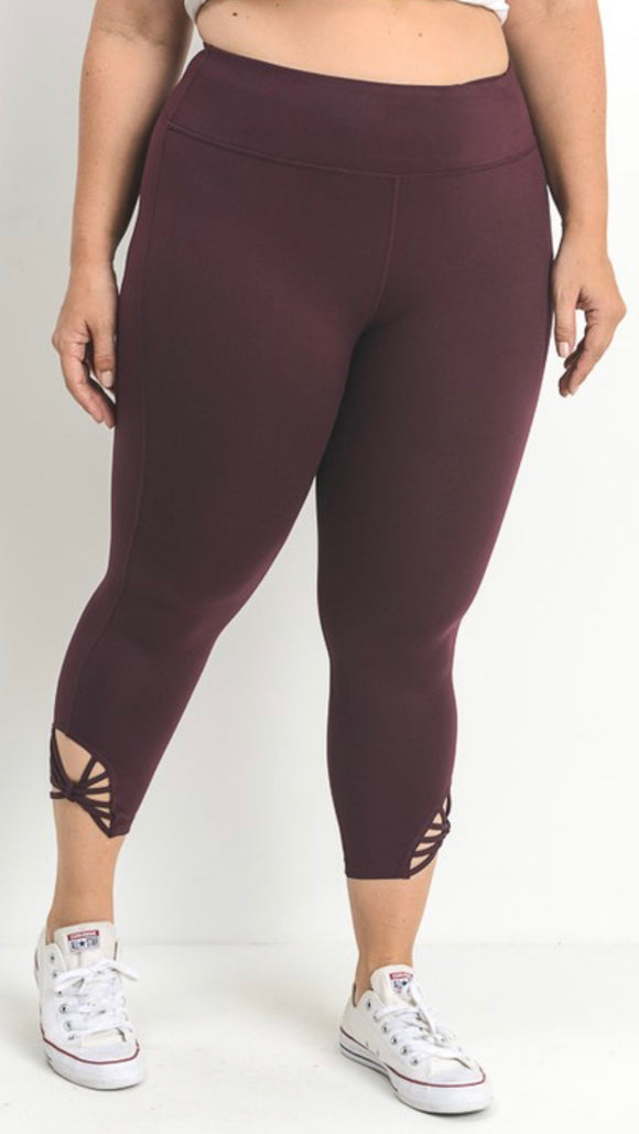 Magenta Web-Strap Capri Leggings, Plus Size