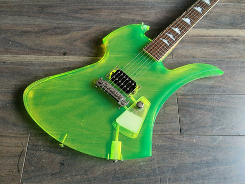1999 Fernandes Japan MG-115C Mockingbird (Green Acrylic Resin)