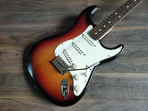 2006 Fender USA Highway One Stratocaster (Nitro Sunburst)