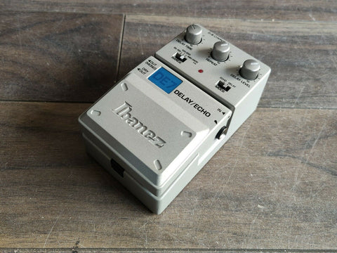 Ibanez DE7 Digital Delay/Echo Effects Pedal